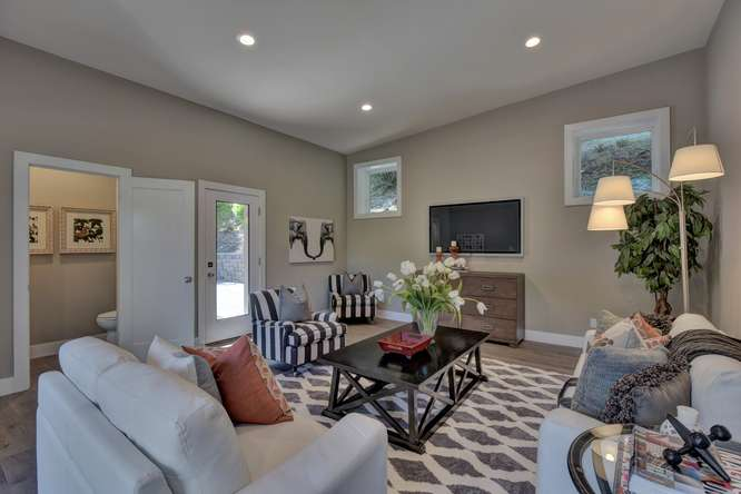 3804 Chatham Ct Redwood City-small-014-23-Family Room View with Half-666x445-72dpi