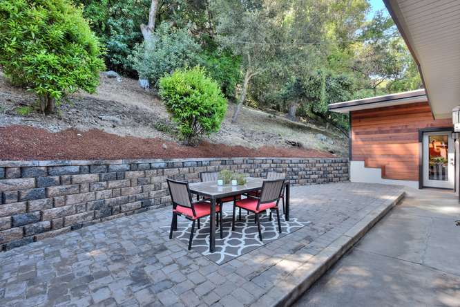 3804 Chatham Ct Redwood City-small-028-26-Side Patio-666x445-72dpi