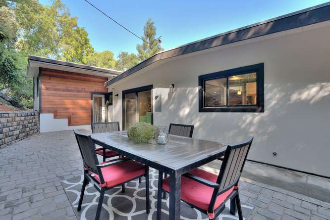 3804 Chatham Ct Redwood City-small-029-27-Side Patio View-666x445-72dpi