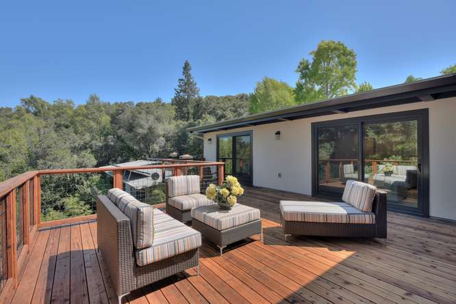 3804 Chatham Ct Redwood City-small-030-33-Deck Living Area-666x445-72dpi