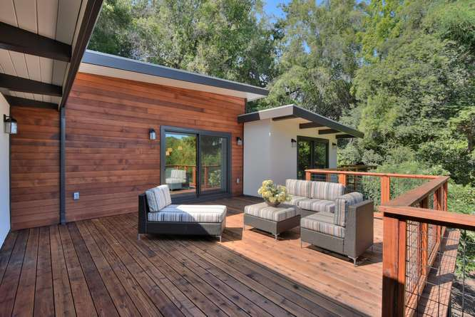 3804 Chatham Ct Redwood City-small-031-32-Deck Living Area Second View-666x445-72dpi