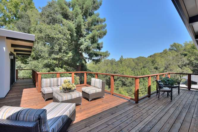 3804 Chatham Ct Redwood City-small-032-34-Deck Living Area Third View-666x445-72dpi